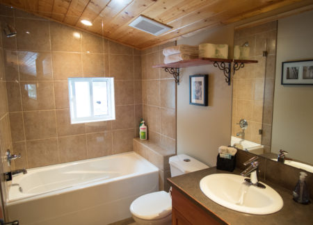 Master Bathroom in Green Chalet, Luxury Accommodation in Golden bc