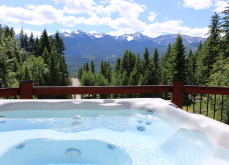 Private Hot Tub cabin in golden bc